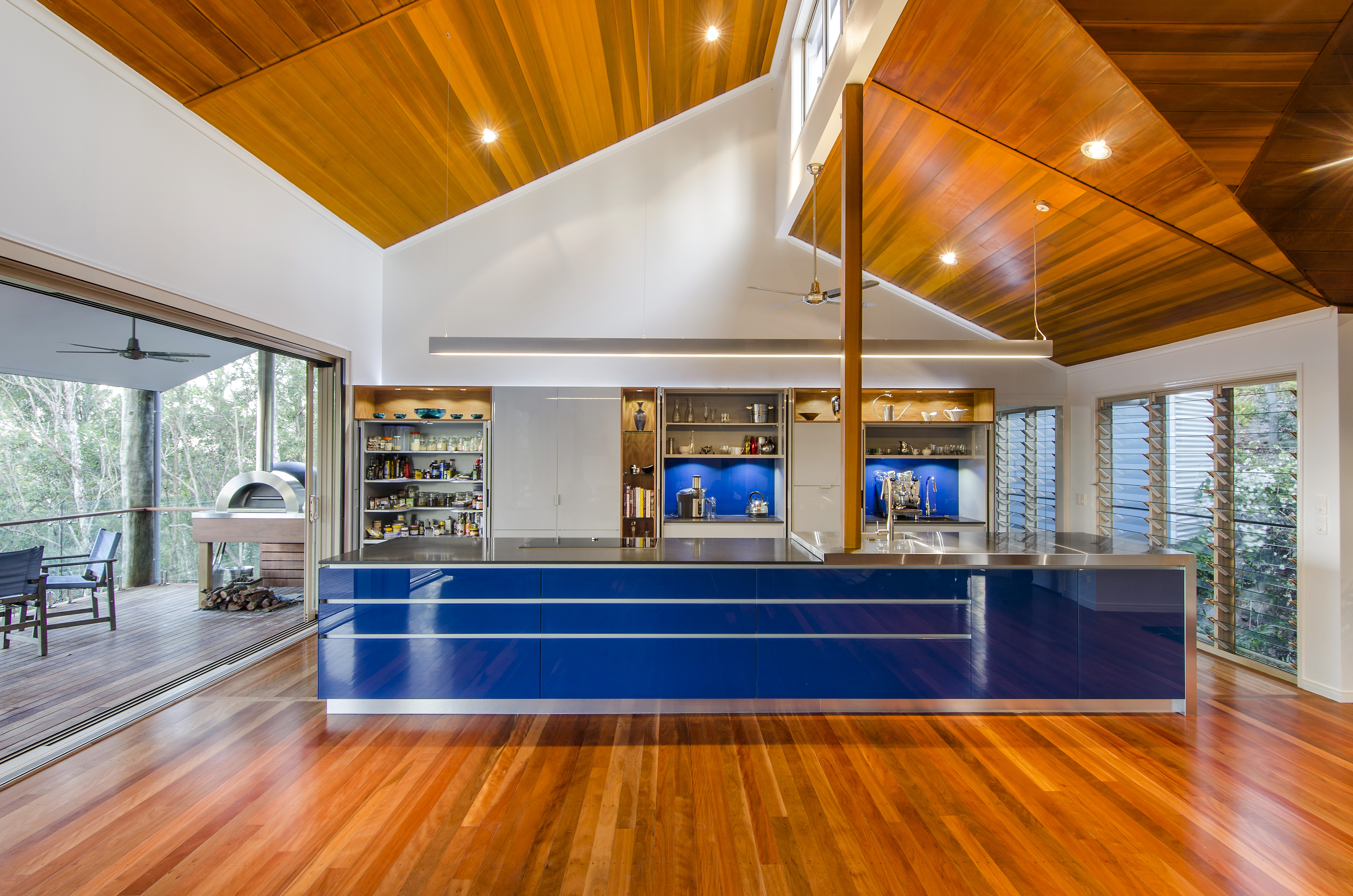How do you use colour in the kitchen to make an impression for Kitchen design jobs brisbane